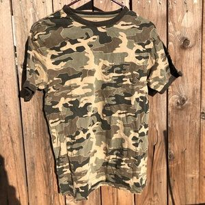 OLD NAVY Boy's Camouflage Army Printed Graphic Tee